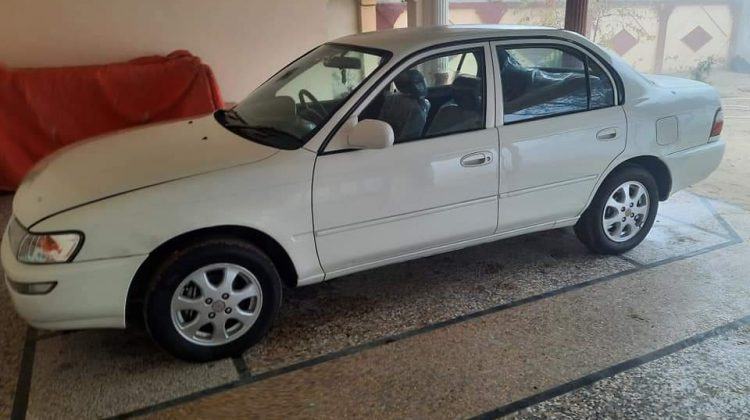 Toyota corolla 2od 2001 for sale
