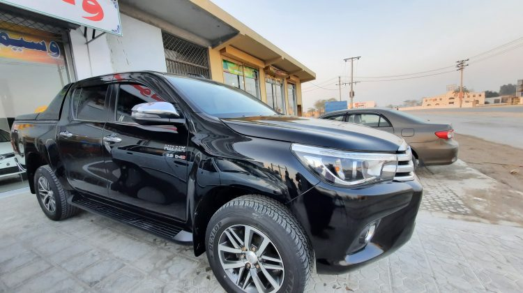 toyota hilux revo v automatic 2.8 model 2018 for sale