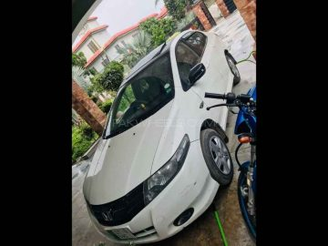 Honda city sailkot registered totly original only serious person contact